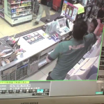 【動画】コンビニバイトが仕事中に店長から暴行された映像を内部告発 客が止めに入っててワロタ・・ #2ちゃんねる